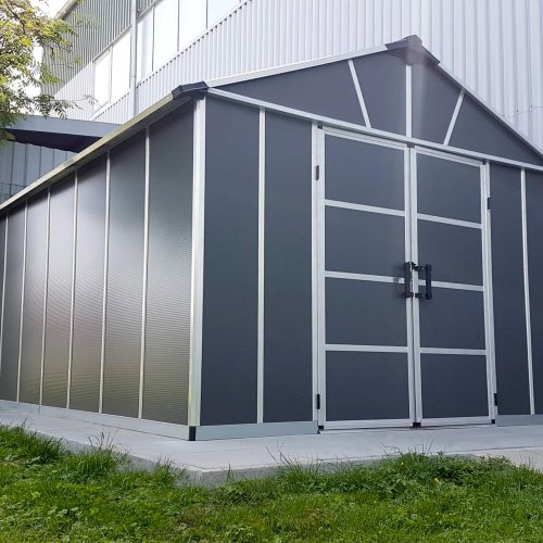 מחסן לחצר